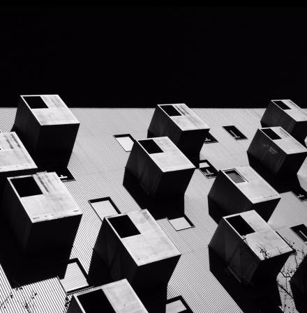 Edificio de los Cubos. Pau de Carabanchel, Madrid. Por Miguel López